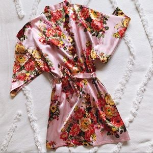 NWOT Floral Kimono Robe and Bridesmaid Accessories